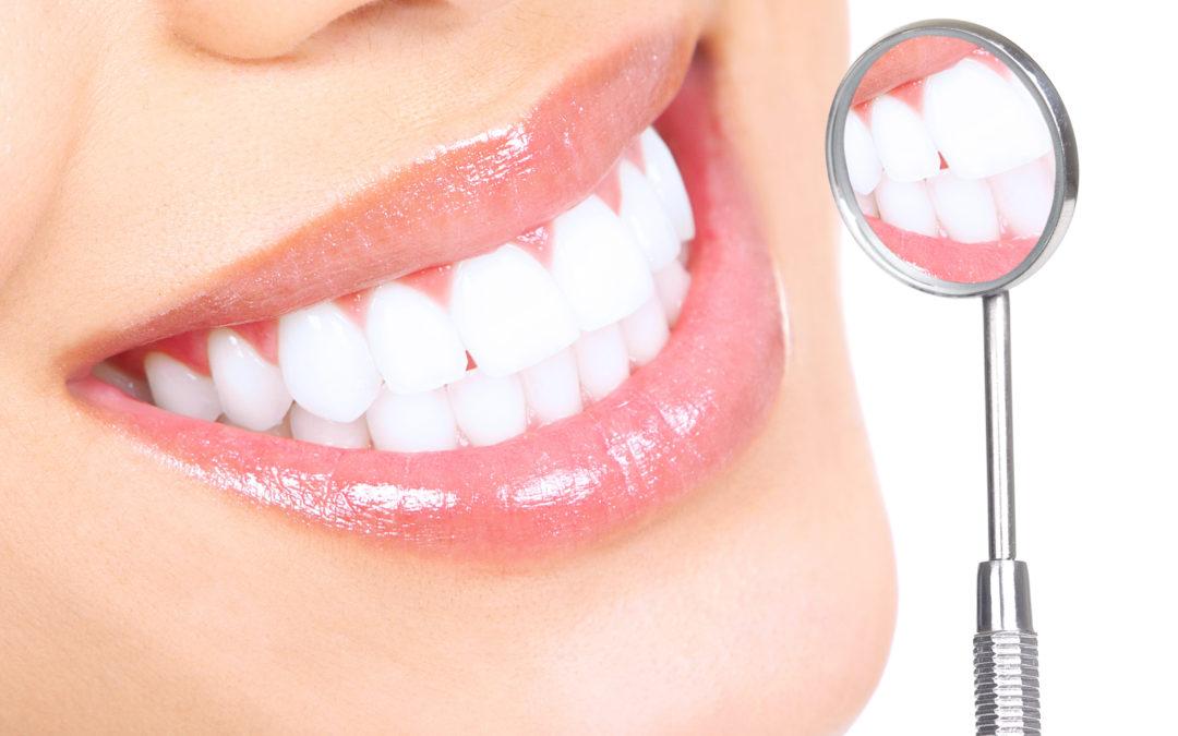 Naturalne metody wybielania zębów