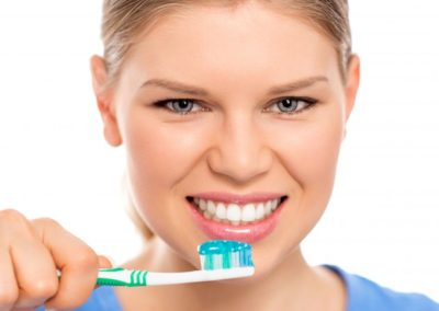 Jak prawidłowo myć zęby?